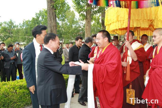 班禅这次回藏 1名副国级3名省部级官员前往迎接 - 双梅 - 张静华