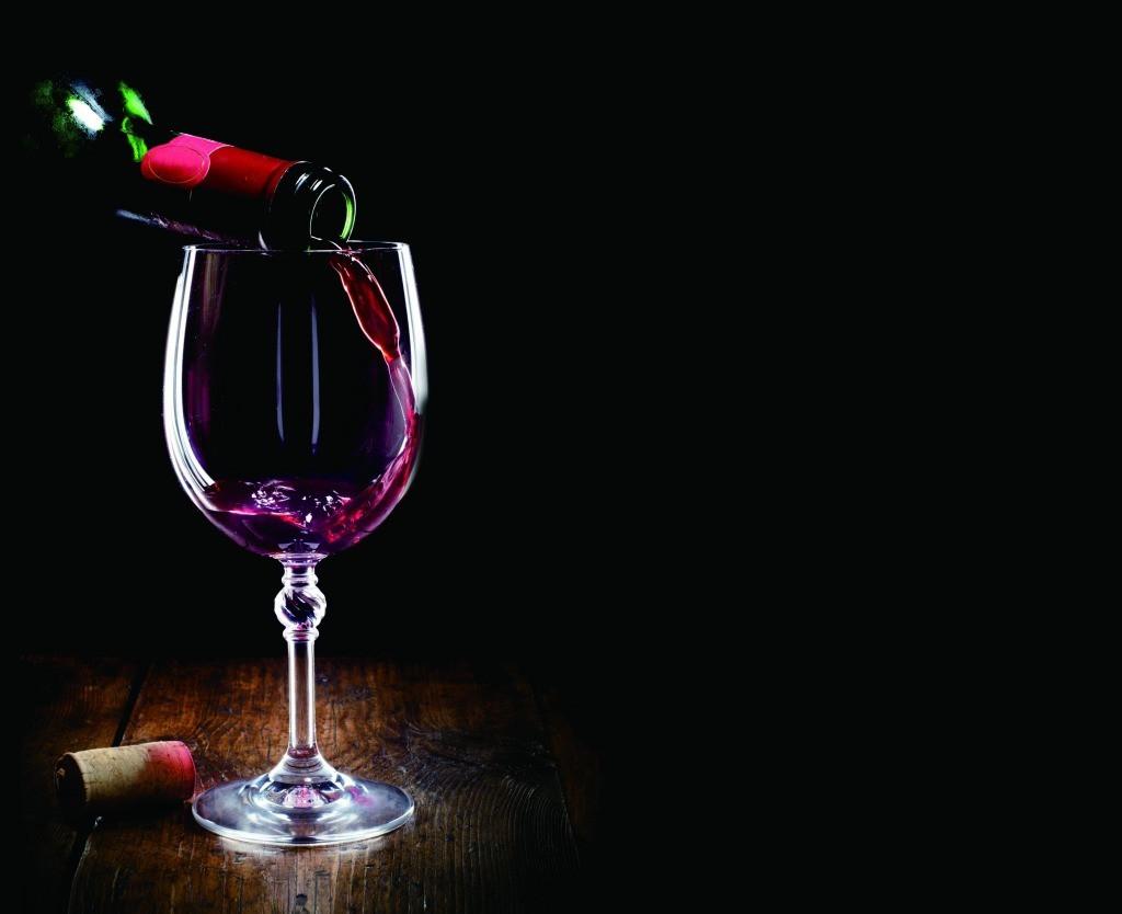 女性喝红酒_女性喝红酒的好处_喝红酒的好处有哪些_红酒对女人有哪些好处 ...