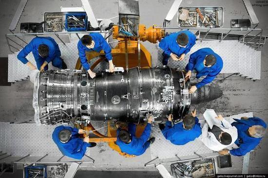 维护和维修飞机涡轮喷气发动机