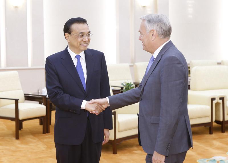 李克强会见法国外长:中国经济转型出现好势头