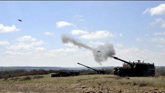 俄国防部还展示了表明土耳其火炮向叙利亚
