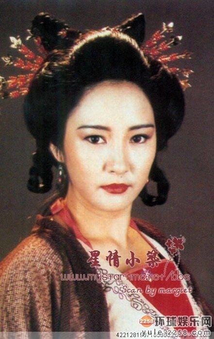黄日华是娱乐圈少有的专情男人,妻子梁洁华被确诊为血癌,黄日华不离