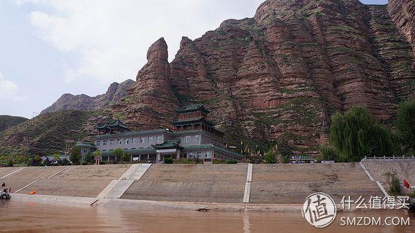 回来上网一搜,这永靖的白塔寺历史远比北京的要长,据考证始建时间不
