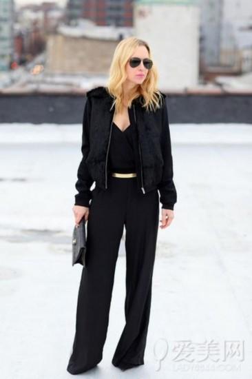 黑色连体裤搭配什么外套
