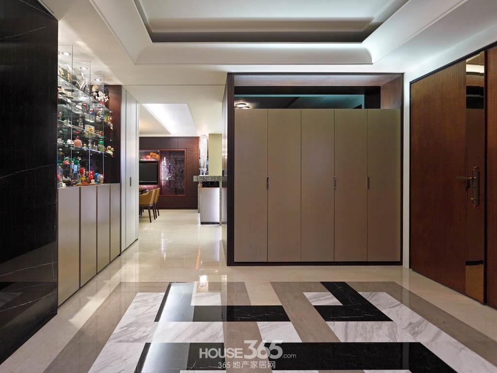 编者按:客厅玄关鞋柜效果图欣赏,客厅玄关鞋柜的上部分一般高清图片