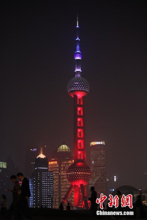 ↑图:东方明珠广播电视塔